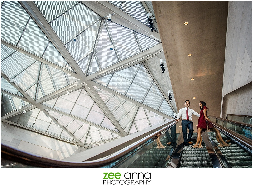 National Gallery of Art engagement portrait by Zee Anna Photography