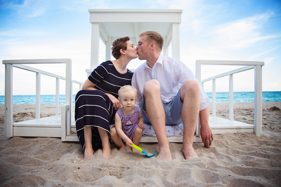 Fort Lauderdale Beach Family Session by Zee Anna Photography